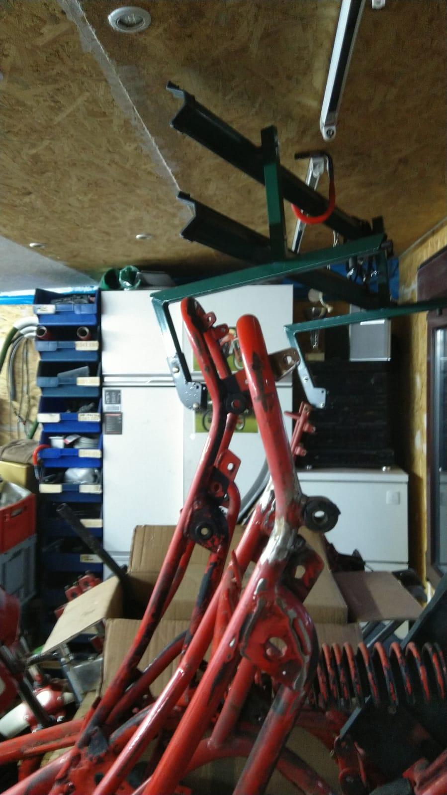 Fantic RSX 125 Rahmenheck original und eingekürzt für Brissoni 1 Mann Sitzbank
