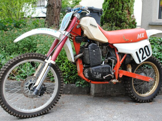 Armstrong MX 600 Baujahr 1985