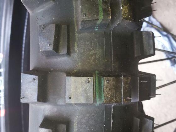 Shinko 525 Hybrid Cheater 1